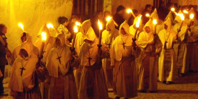 Cofrades de la Hermandad Penitencial del Santísimo Cristo de la Buena Muerte. Lunes Santo.