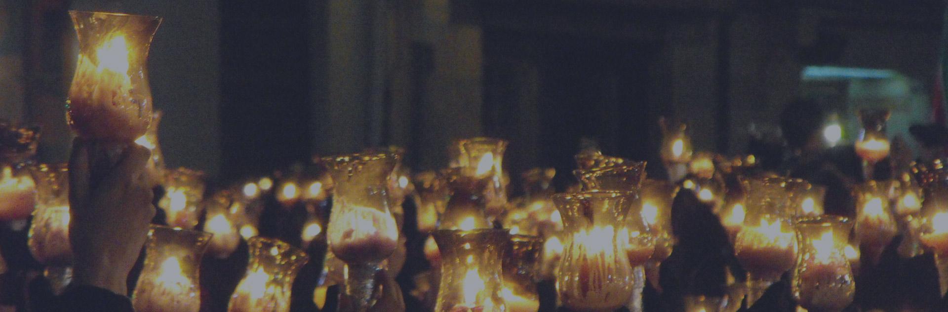 Tulipas procesión Virgen de la Soledad