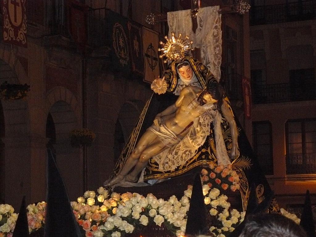 Nuestra Madre de las Angustias. Noche de Viernes Santo.