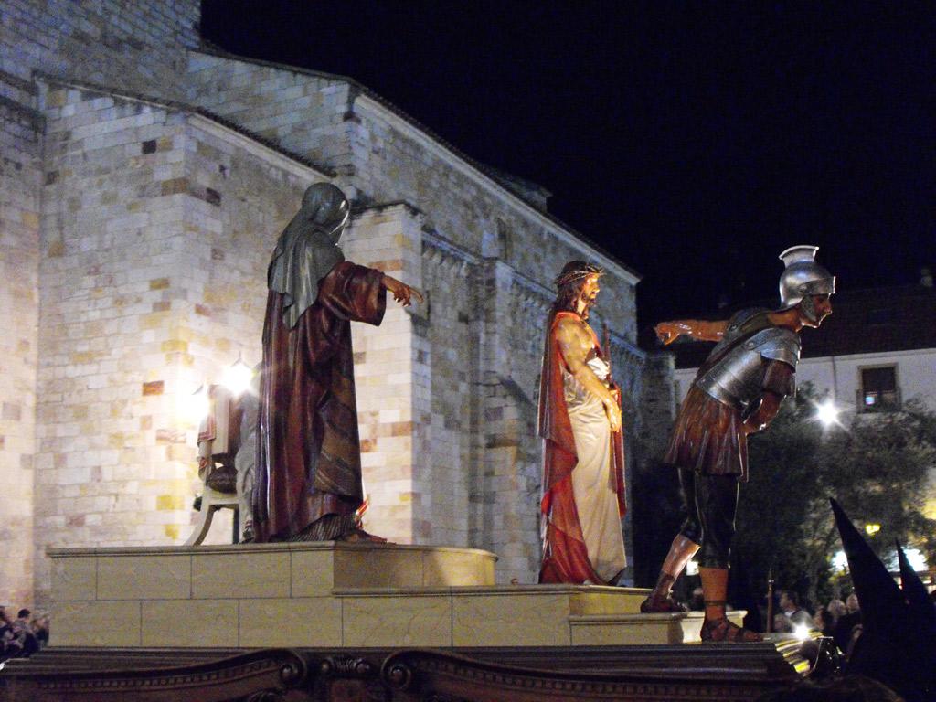 La Sentencia. Cofradía de la Santa Vera Cruz, Disciplina y Penitencia. Jueves Santo.